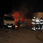 Vozilo v plamenih