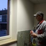 Boštjan je poskrbel, da so okna zdaj bleščeče čista